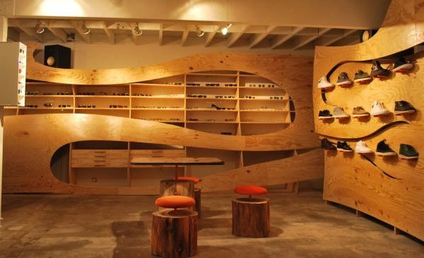 boutique-glasses-gallery-the-kinney-court-store-by-ilan-dei-studio-shoe-cabinets